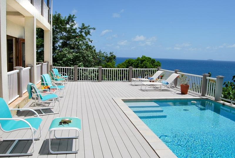 020 Pool deck